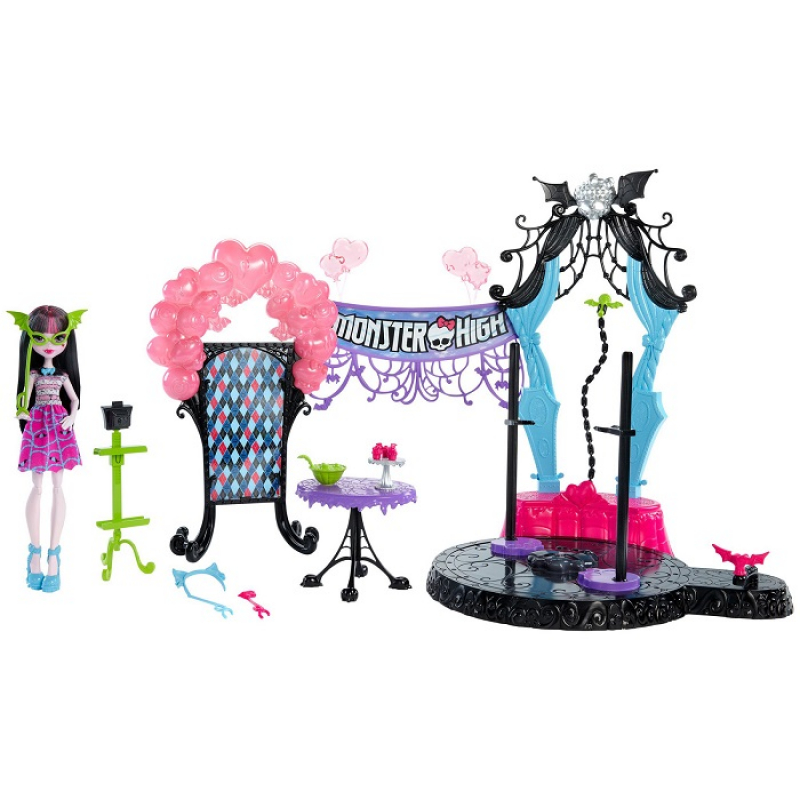 Playset with Draculaura Welcome to the Monster High