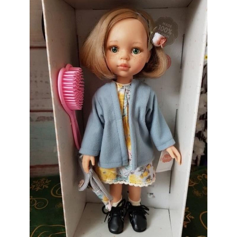 Кукла Паола Рейна - Карла в голубом пальто